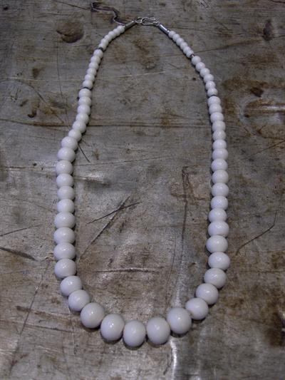 Halskette / Perlenkette creme La Finesse