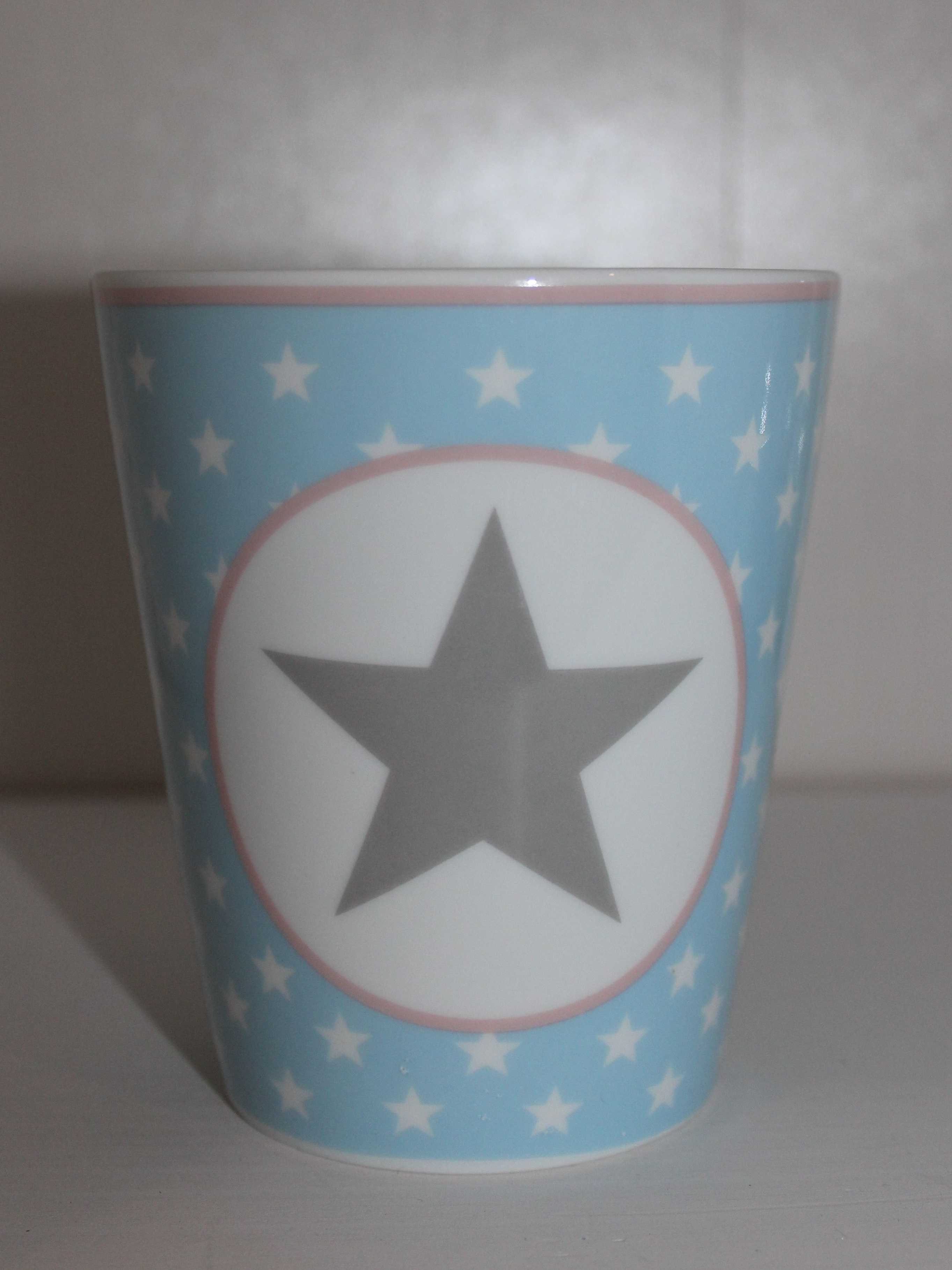 Mug Kaffeebecher hellblau mit grauem Stern