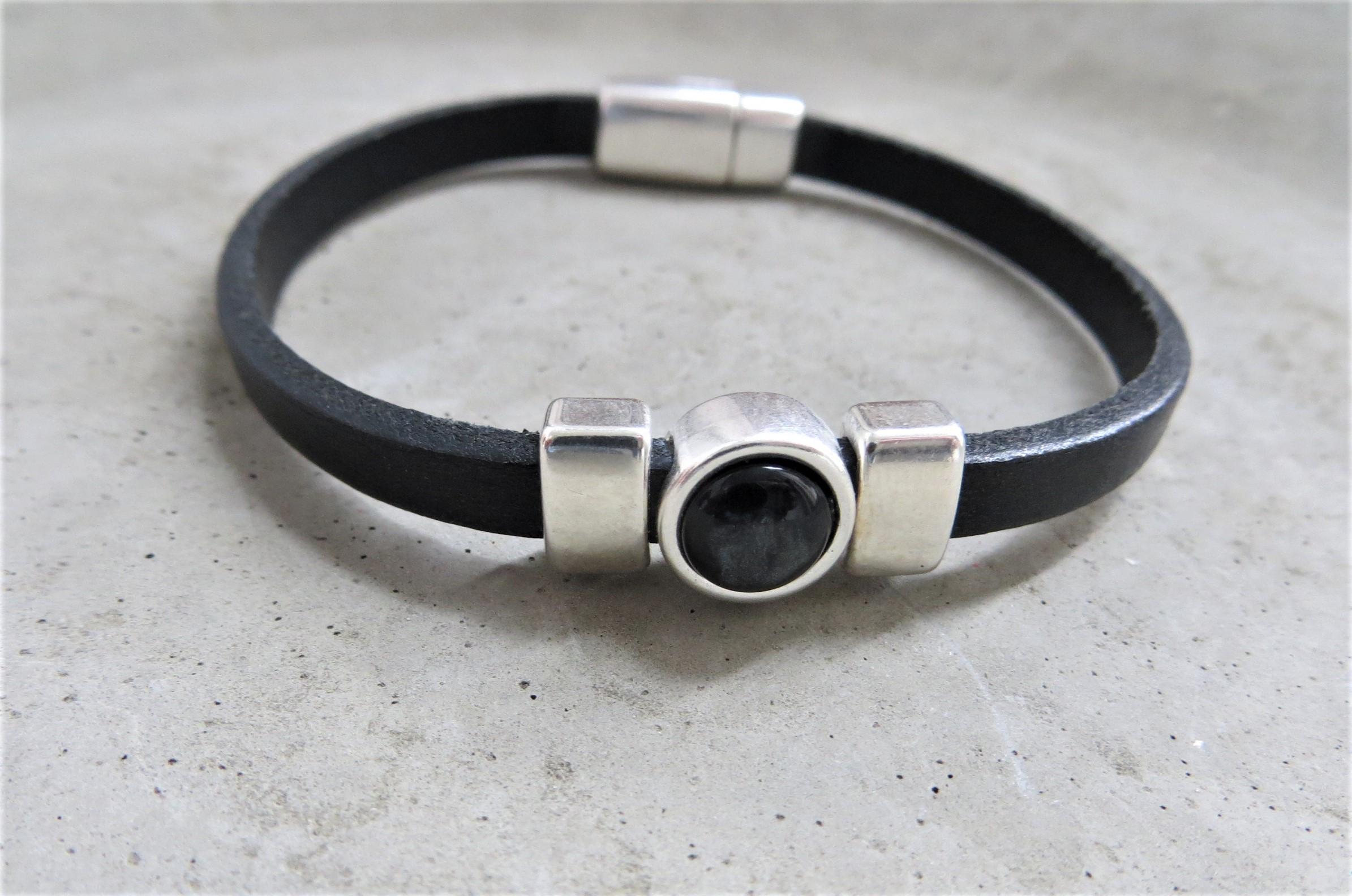 Armbaender für Frauen - QOSS Armband CHARLOTTE Schwarz M  - Onlineshop Tante Emmer