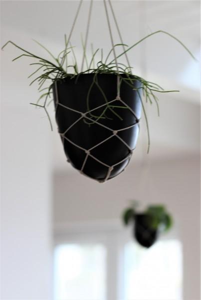 Blumenampel mit Metalltopf in schwarz, 9x11cm