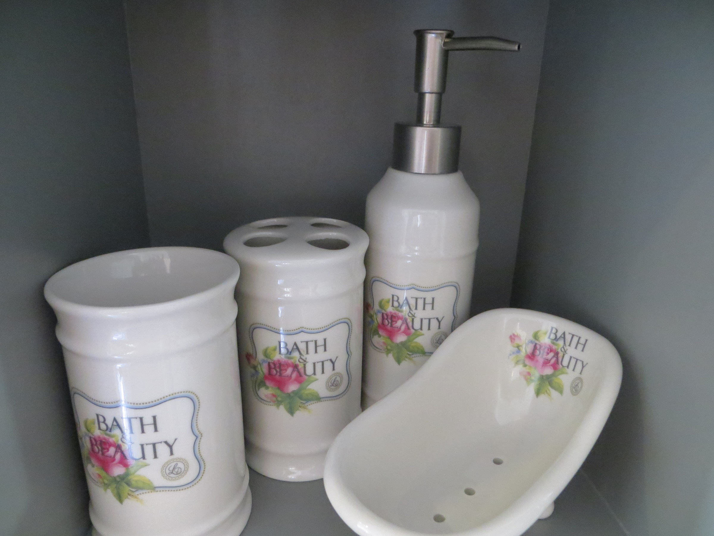 Badezimmerset Bath Beauty Creme mit Rosenmuster Lisbeth Dahl