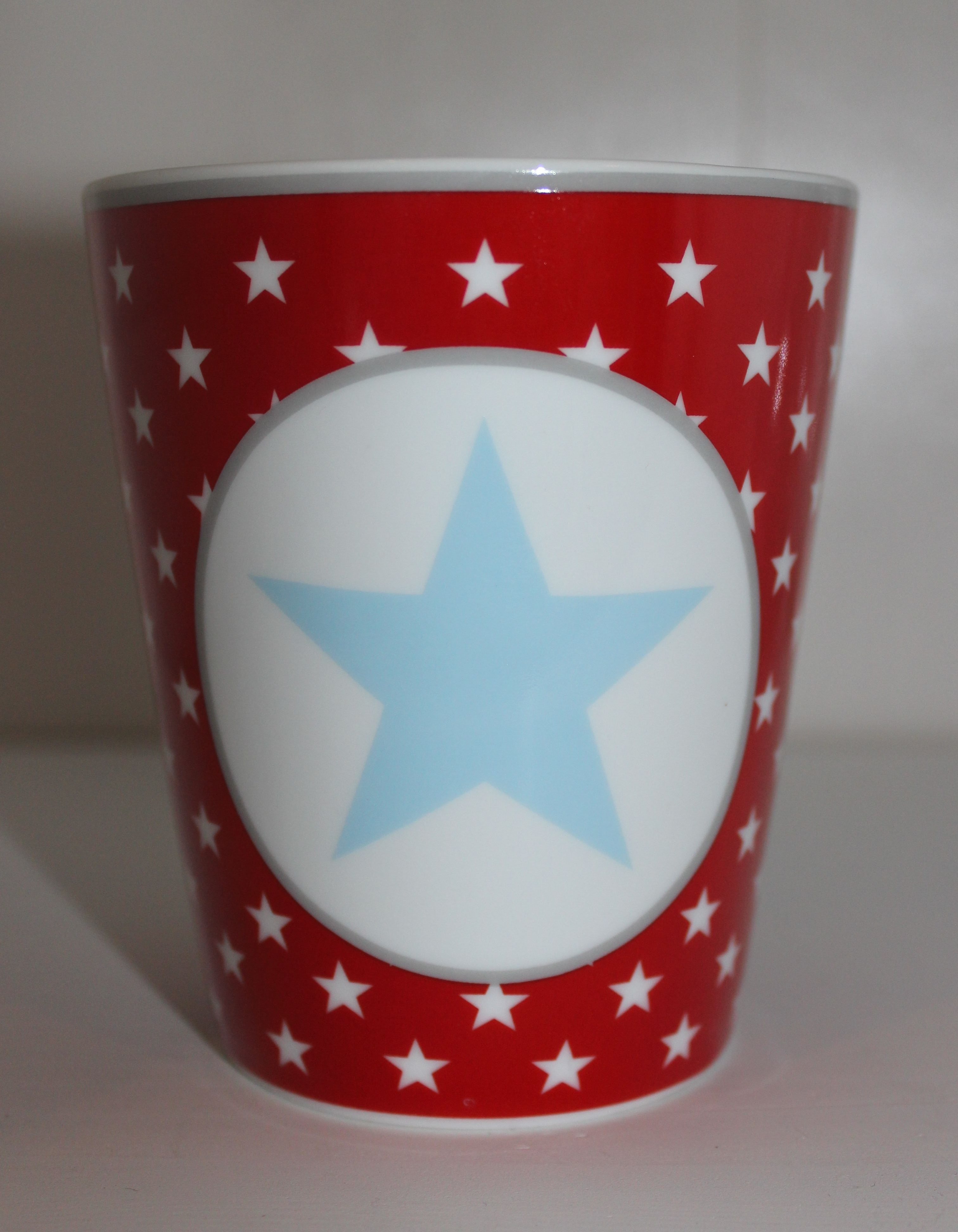 Mug Kaffeebecher rot mit hellblauem Stern