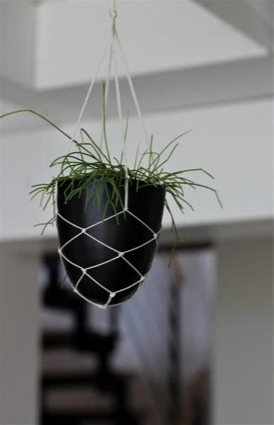 Blumenampel mit Metalltopf in schwarz, 11x12cm