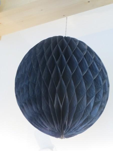 Honigwabenball aus Papier schwarz Miss Étoile