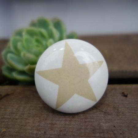 Knauf/ Griff weiß mit Stern in beige, für Tür/ Schublade/ Schrank, MADLEYS