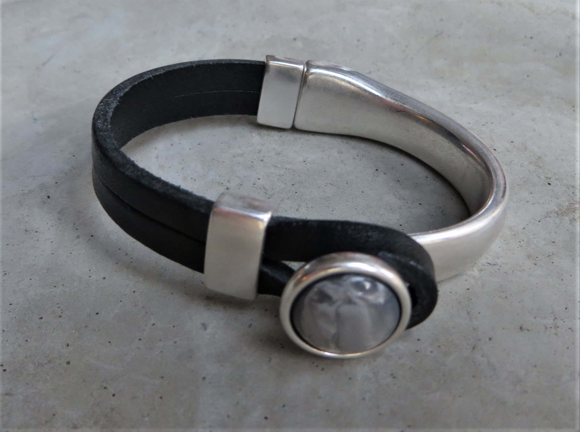 Armbaender - QOSS Armband GWEN Schwarz Grau S  - Onlineshop Tante Emmer