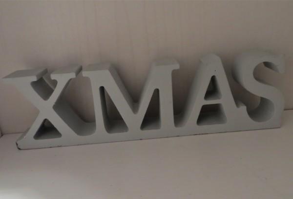"""Schriftzug """"XMAS"""" aus Holz, hellgrau. 17 cm"""