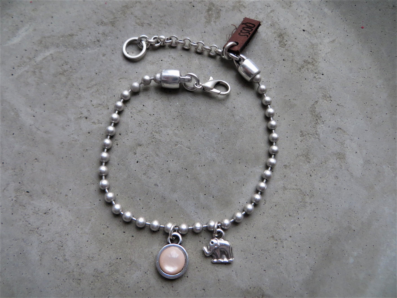 Armbaender für Frauen - QOSS Armband ELINE Silber Puderrosa onesize  - Onlineshop Tante Emmer