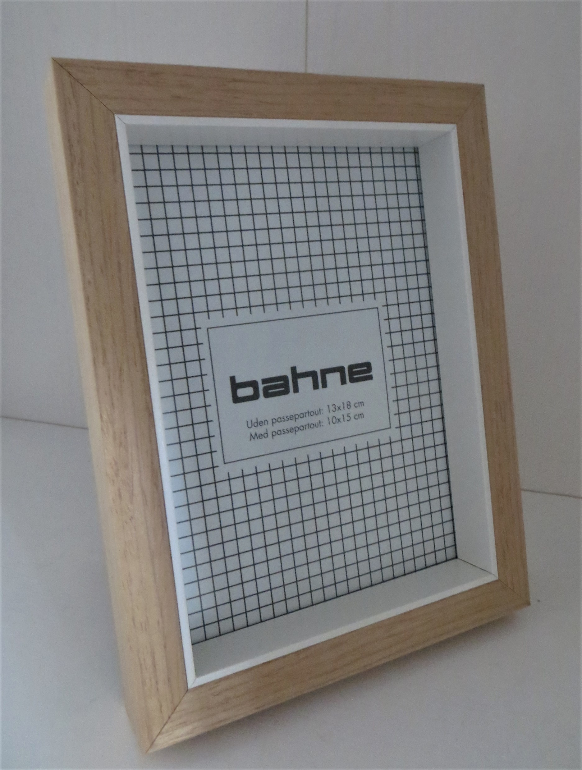 Nützlichwohnaccessoires - Bilderrahmen Holzweiß 13x18cm 10x15 - Onlineshop Tante Emmer