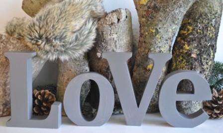 "Schriftzug ""LOVE"" grau/braun MADLEYS"