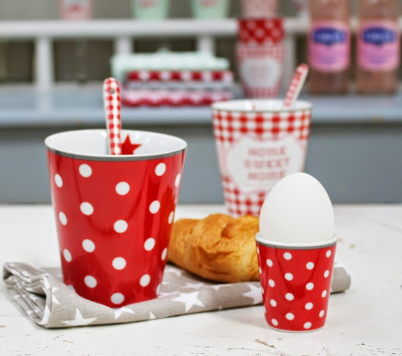 Egg holder red with dots Eierbecher rot mit Punkten Krasilnikoff