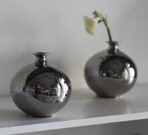 Vase kugelfömig silber Blumenvase Höhe ca. 11 cm aus Porezallan