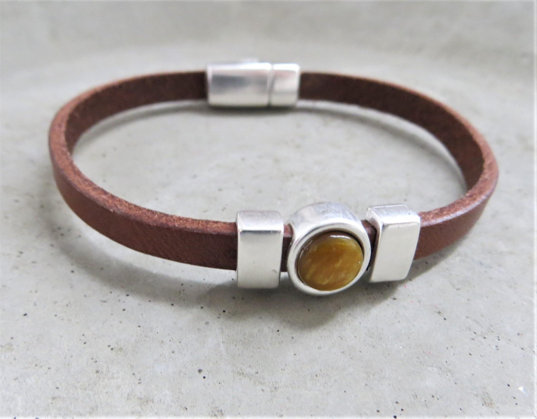 Armbaender für Frauen - QOSS Armband CHARLOTTE Braun Ockergelb M  - Onlineshop Tante Emmer