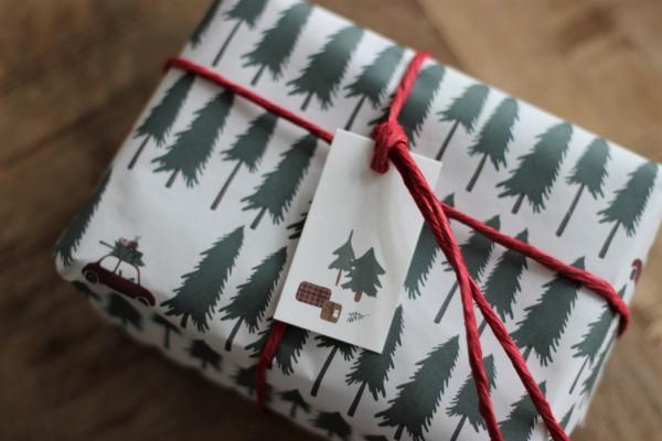 Weihnachts-Geschenkanhänger/ Karte - Tannen - Ib Laursen
