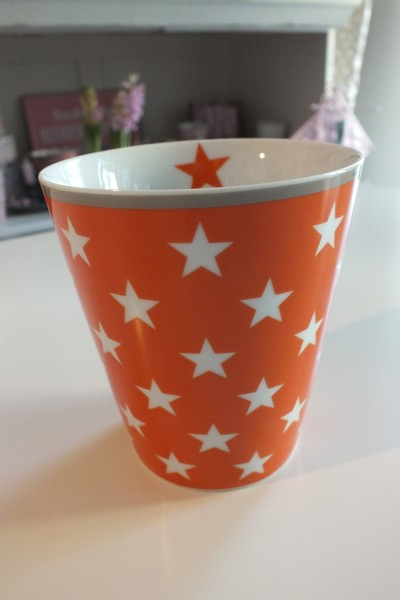 Mug Kaffeebecher in orange mit weißen Sternen