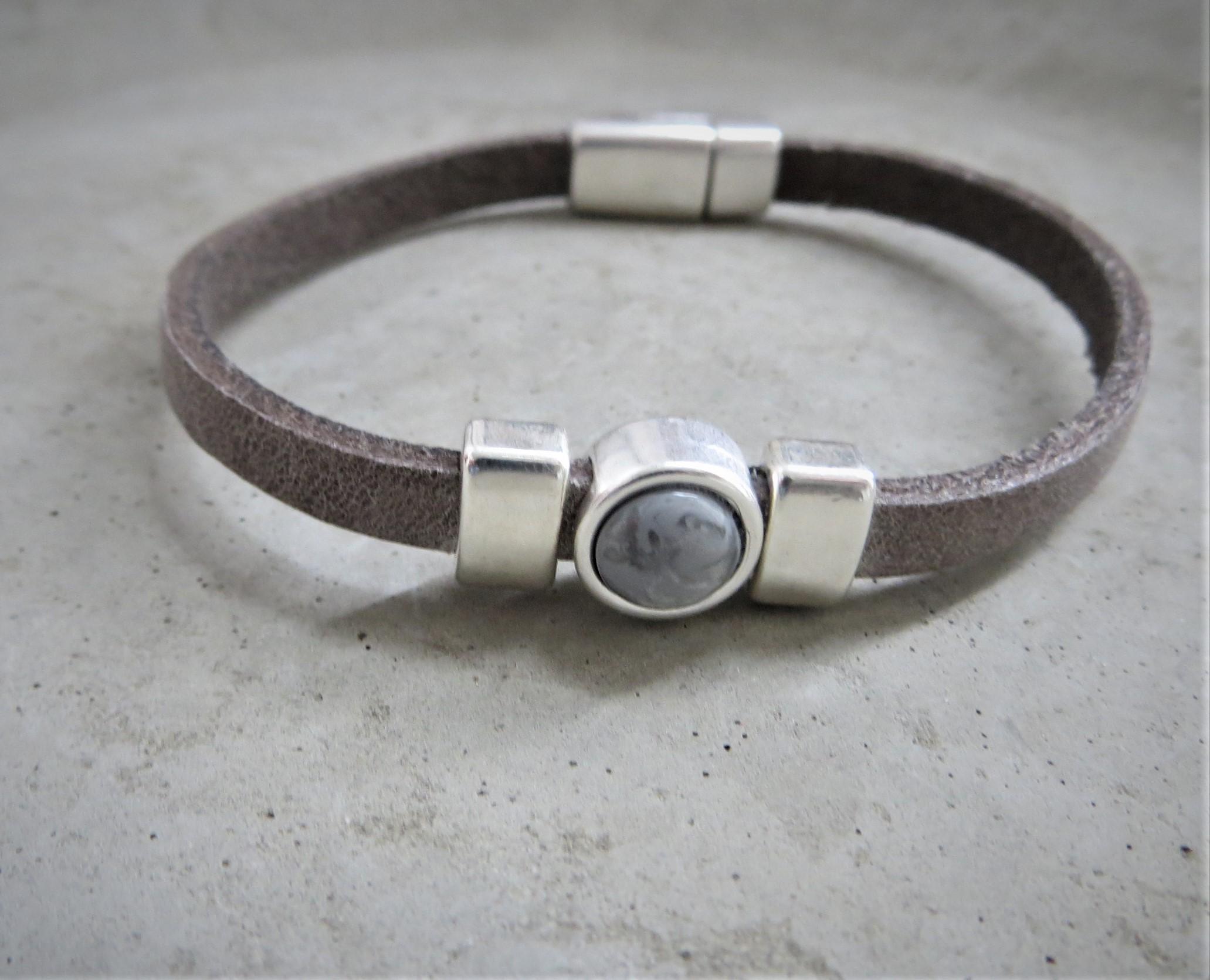 Armbaender für Frauen - QOSS Armband CHARLOTTE Grau M  - Onlineshop Tante Emmer