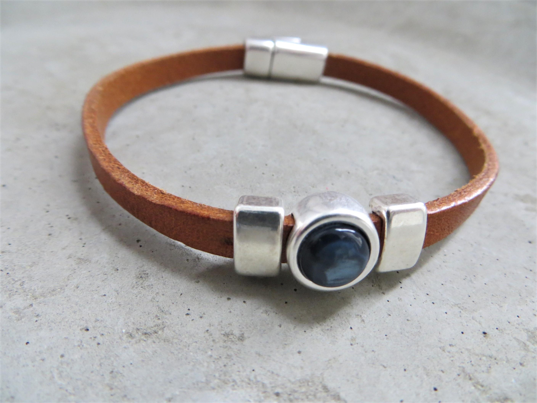 Armbaender für Frauen - QOSS Armband CHARLOTTE Natural Jeansblau M  - Onlineshop Tante Emmer