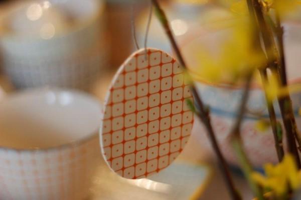 Osterei aus Holz, Anhänger, orange Tante Emmer