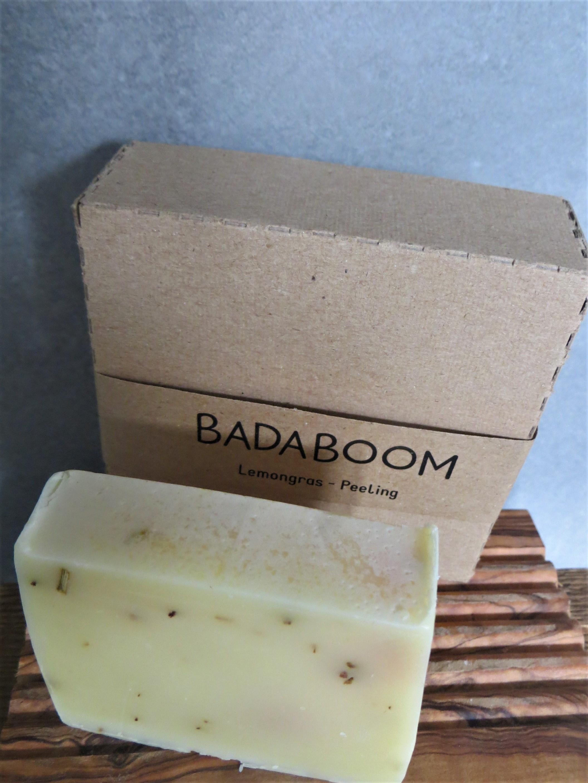 Nützlichwellness - Seife BADABOOM Lemongras Peeling - Onlineshop Tante Emmer