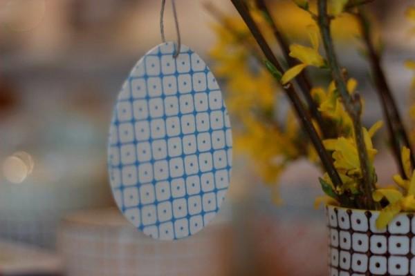 Osterei aus Holz, Anhänger, blau Tante Emmer