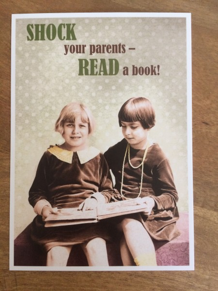"Postkarte Karte ""Shock your parents - read a book!"" Paloma"