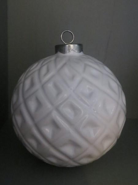Christbaumkugel Porzellan weiß, Rautenmuster