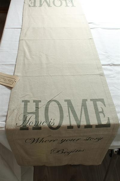 "Tischläufer ""Home is Where your story Begins"" La Finesse"