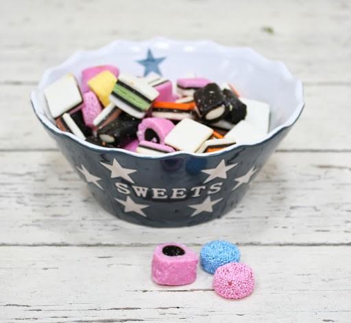 Sweets dunkelgraue/ charcoal Schale Schüssel mit Sternen Krasilnikoff