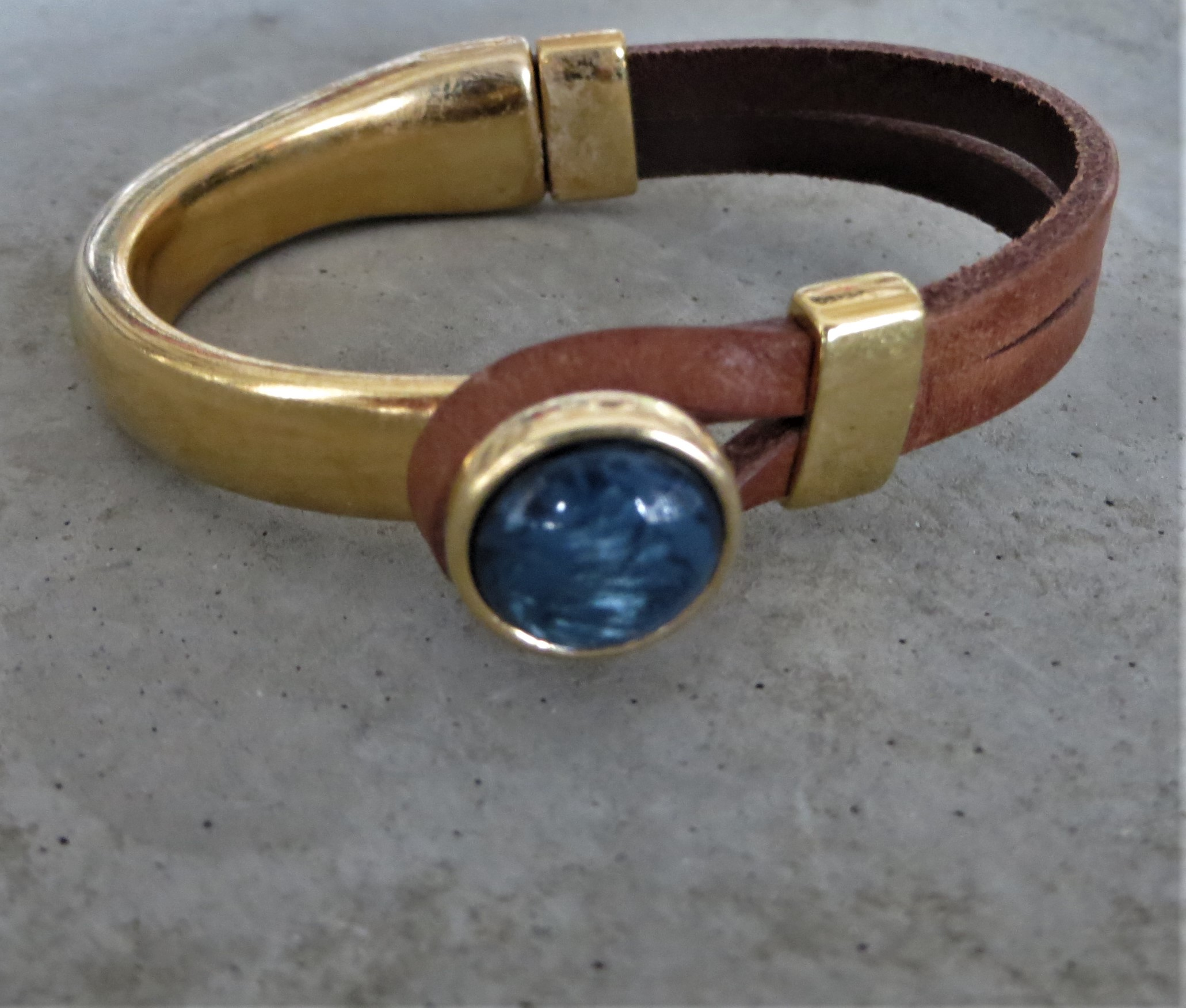 Armbaender - QOSS Armband GWEN GOLD Braun Jeansblau S  - Onlineshop Tante Emmer