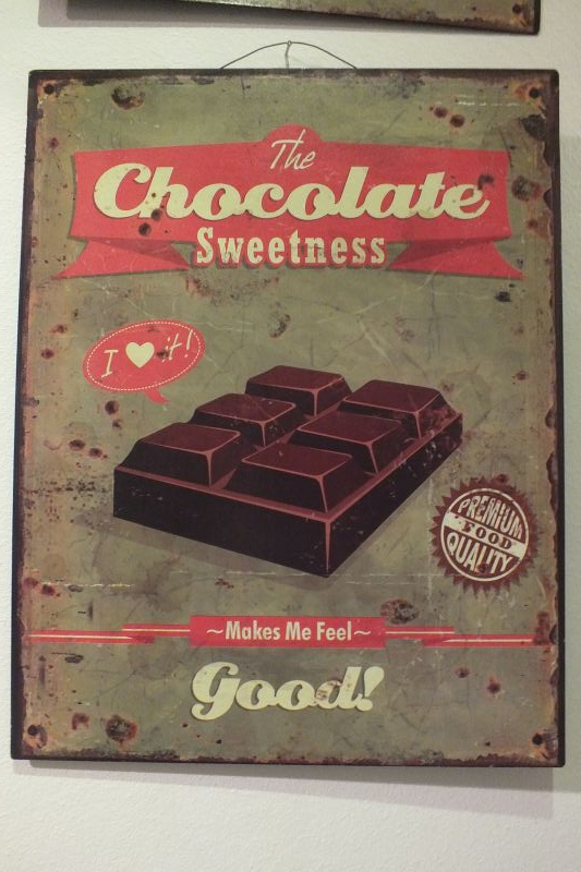 Witzigschilder - Metall Schild The chocolate sweetness makes me feel good - Onlineshop Tante Emmer