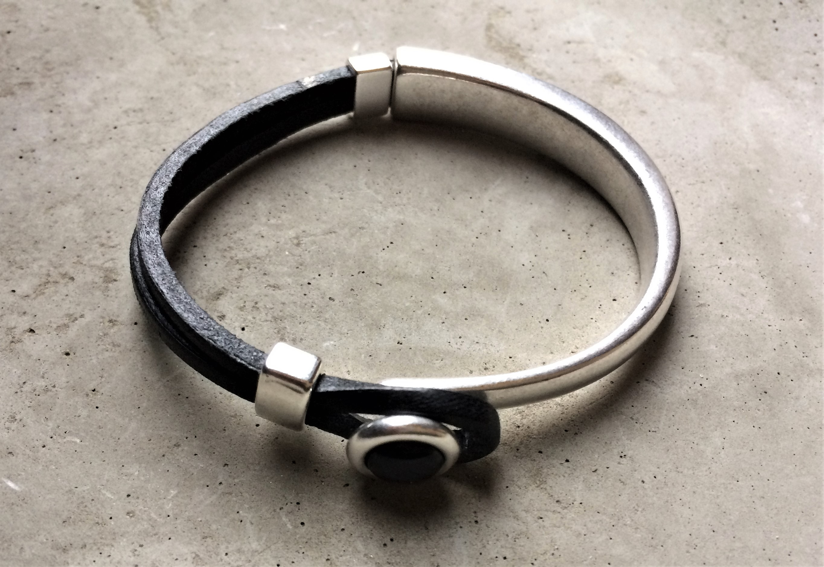Armbaender - QOSS Armband EVA Schwarz Schwarz S  - Onlineshop Tante Emmer