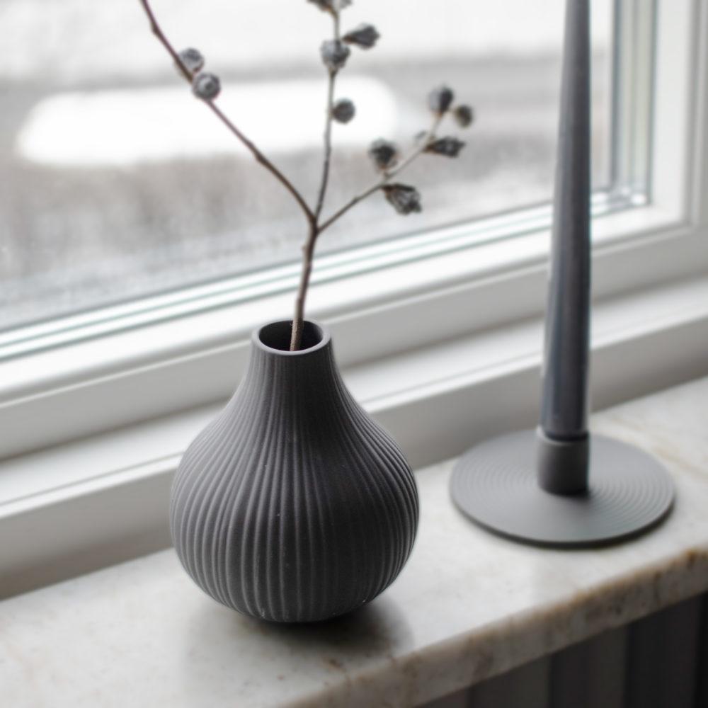 Nützlichdekoration - EKENÄS Vase 14cm Dunkelgrau Storefactory - Onlineshop Tante Emmer