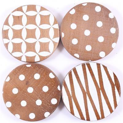 Holzuntersetzer rund in vier verschiedenen Designs
