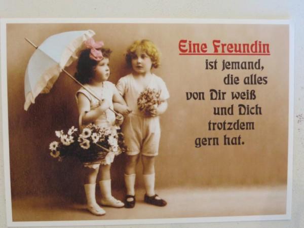 """Postkarte Karte """" Eine Freundin ist jemand, die alles von dir weiß ..."""" Paloma"""
