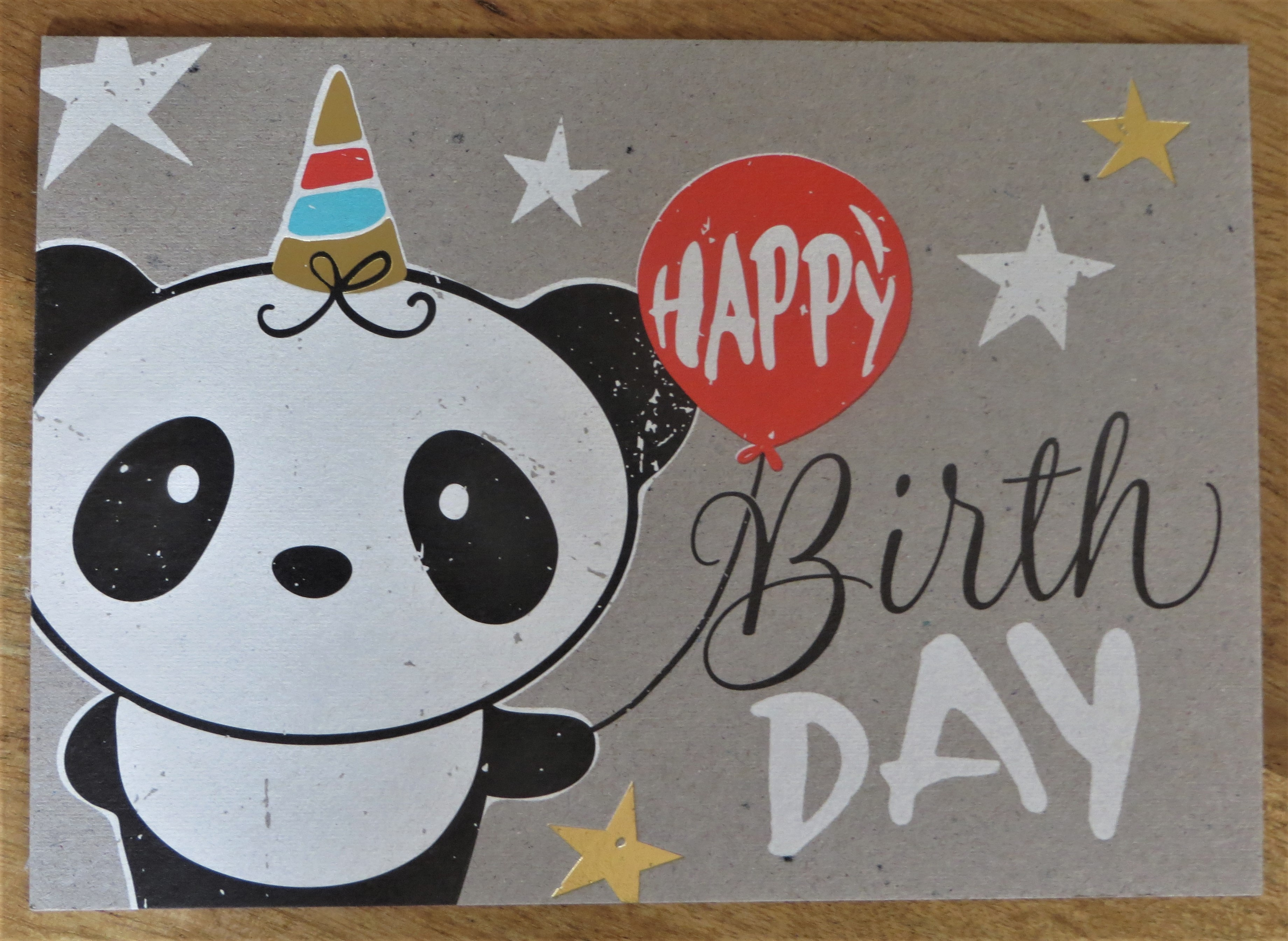 Nützlichgrusskarten - Postkarte HAPPY BirthDAY Panda KUNST und BILD - Onlineshop Tante Emmer