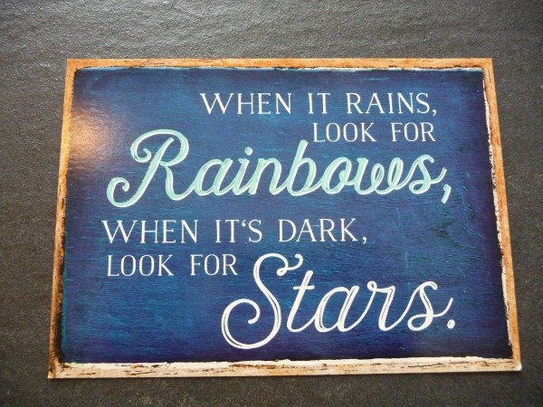 "Postkarte ""WHEN IT RAINS, LOOK FOR Rainbows, ... "" Vintage Art"