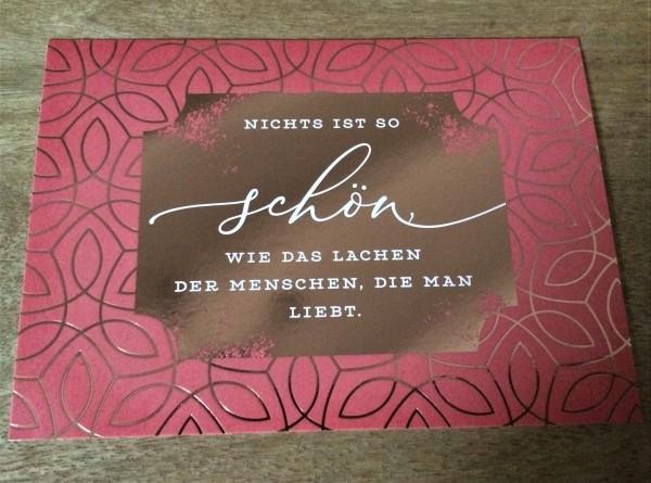 """Postkarte """"Nichts ist so schön, wie das Lachen der Menschen, die man liebt."""""""