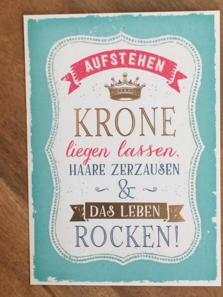 """Postkarte """"Aufstehen, Krone liegen lassen, Haare zerzausen & das Leben rocken!"""" Vintage-Art"""