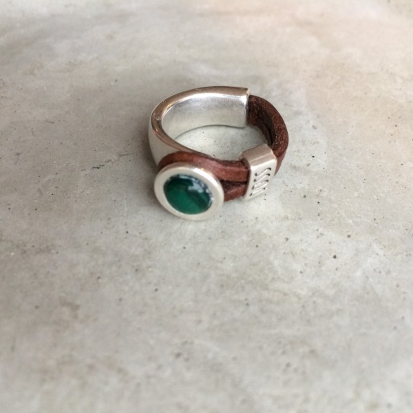 QOSS Fingerring GWEN Braun-Smaragdgrün XL