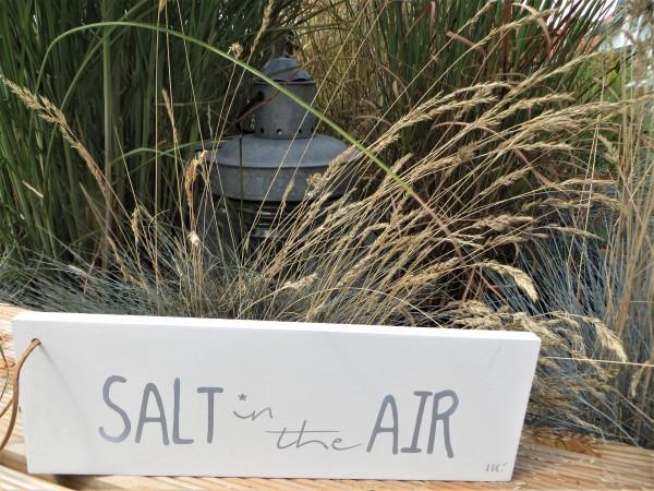"Holzschild ""Salt in the Air"""