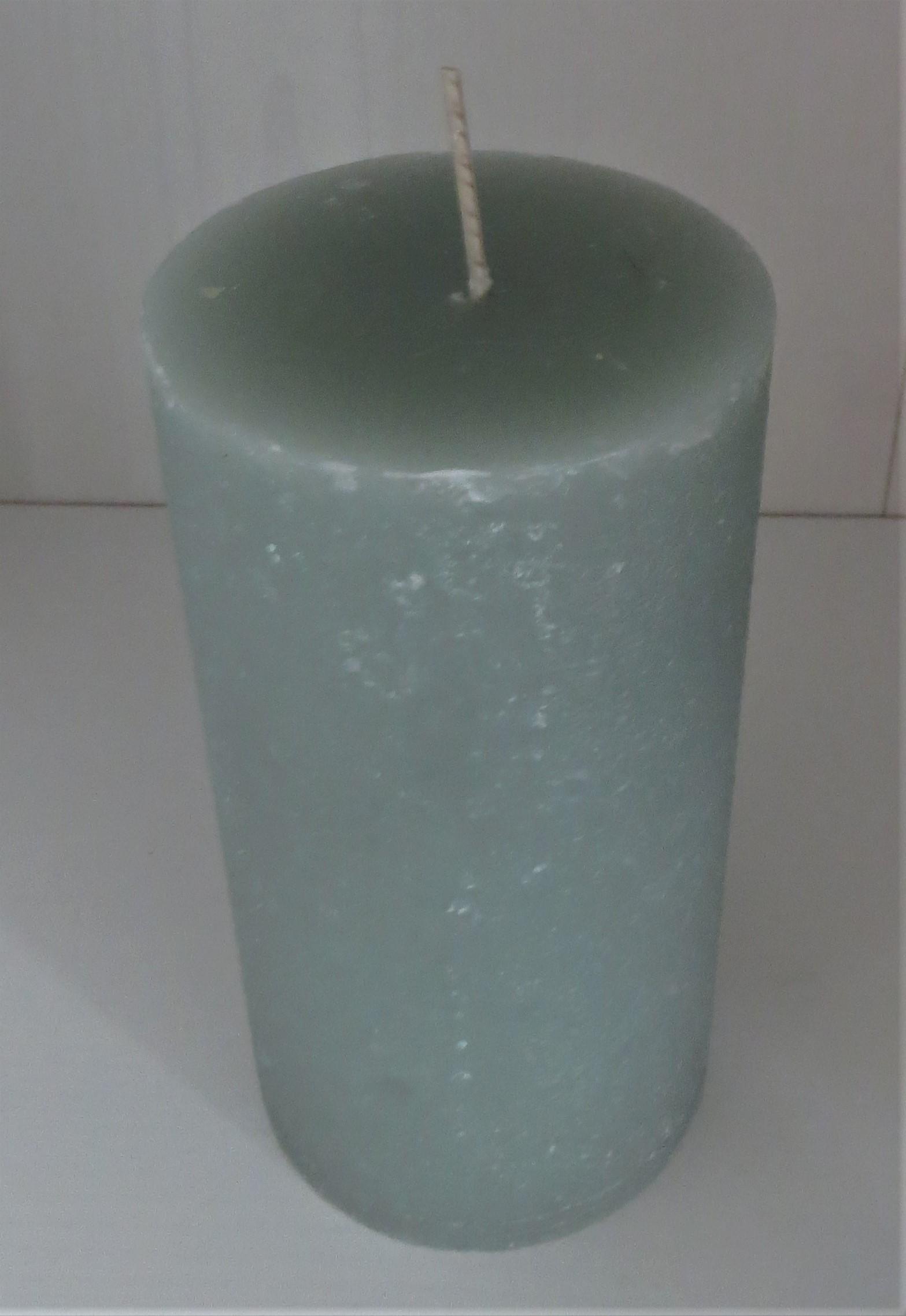 Stumpenkerze blassgrün Höhe 135 cm